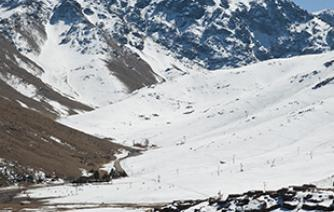 vist-the-oukaimeden-ski-resort -in-toubkal-National-Park-and-practice-the-ski