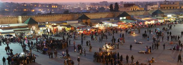 shopping night in the souk ofghith in Meknès