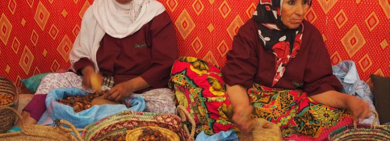 women preparing the oil of argan tourism-in-morocco
