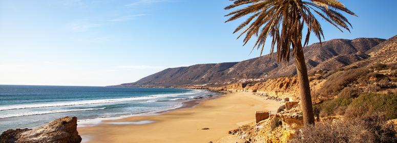 enjoy the good weather and the beautiful sunshine-in-agadir