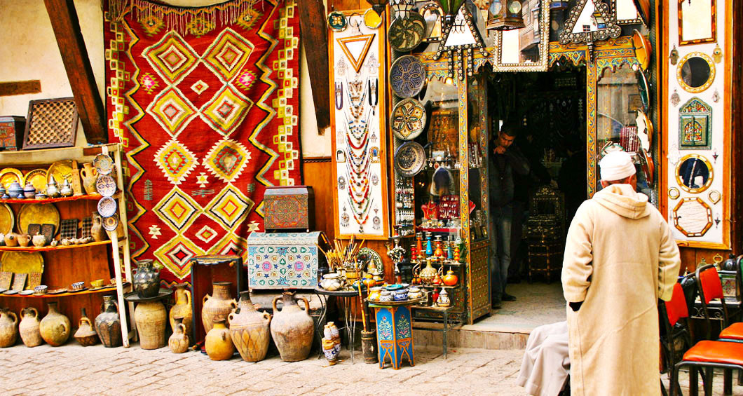 Handicrafts, local products and silver jewellery