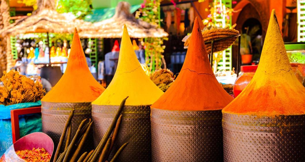 Souk kryddor och lokala produkter